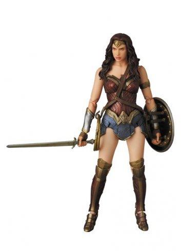 MAFEX WONDER WOMAN (Batman v Superman: Dawn of Justice)